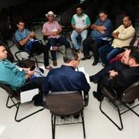 Reunião com os presidentes de Câmaras de Vereadores de Pernambuco abre o 1° Encontro de Legislativos Municipais do Sertão de Pernambuco